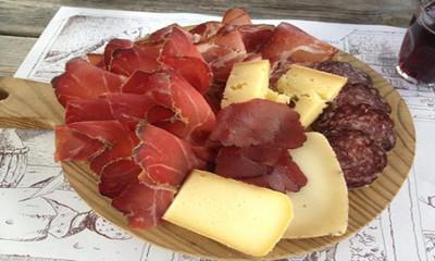tagliere misto di salumi e formaggi